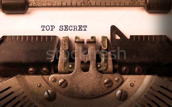 Vintage vieux machine à écrire haut secret Photo stock © michaklootwijk