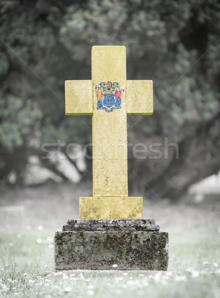 Grafsteen begraafplaats New Jersey oude verweerde vlag Stockfoto © michaklootwijk