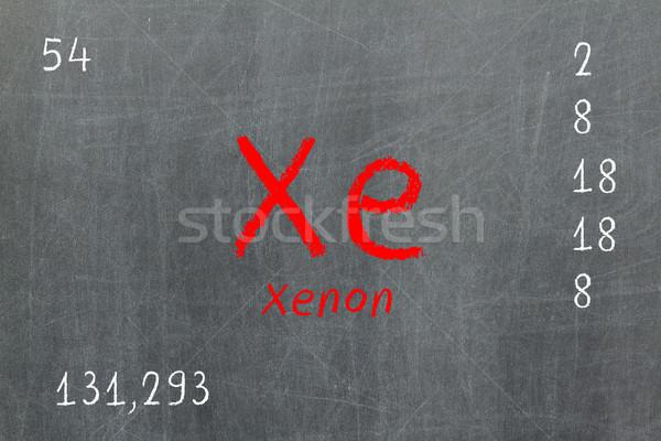 孤立した 黒板 周期表 キセノン 化学 学校 ストックフォト © michaklootwijk