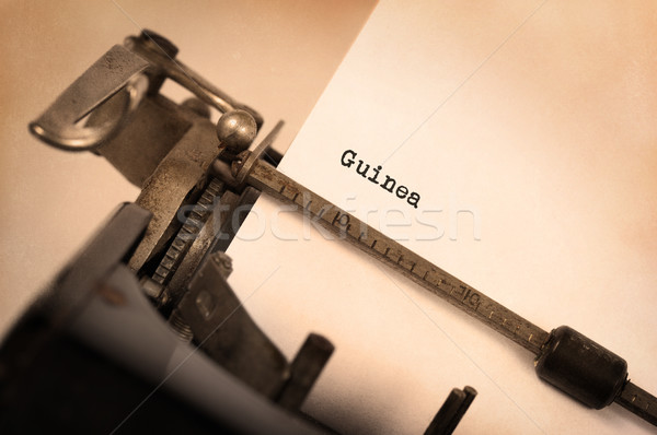 öreg írógép Guinea felirat vidék technológia Stock fotó © michaklootwijk