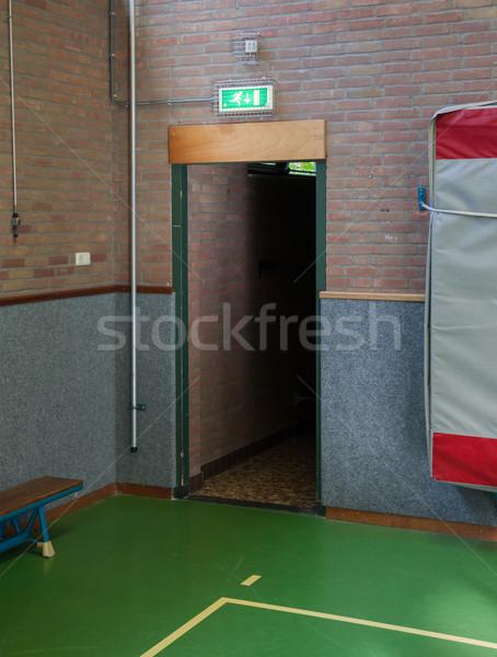 Beleuchtet grünen Notfall verlassen exit sign alten Stock foto © michaklootwijk