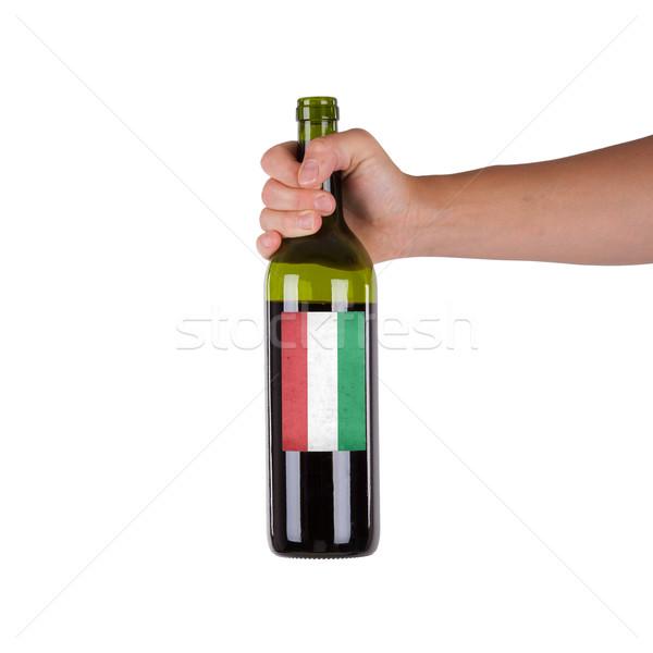 Mano botella vino tinto etiqueta Hungría Foto stock © michaklootwijk