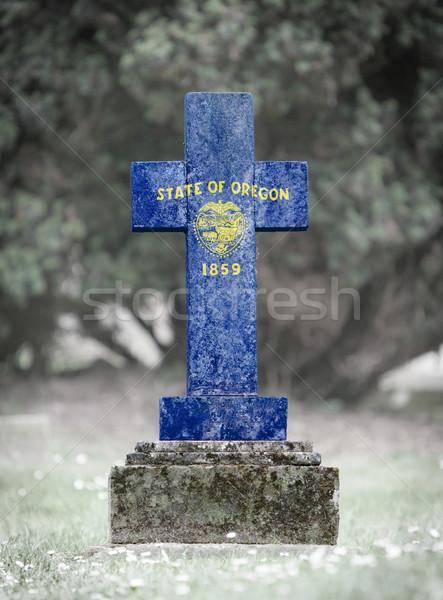 Pierre tombale cimetière Oregon vieux patiné croix Photo stock © michaklootwijk