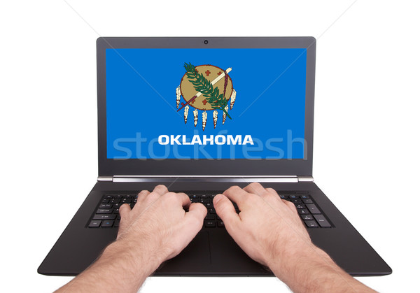 Handen werken laptop Oklahoma tonen scherm Stockfoto © michaklootwijk