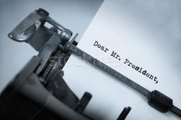 Epocă vechi maşină de scris hârtie fundal Imagine de stoc © michaklootwijk