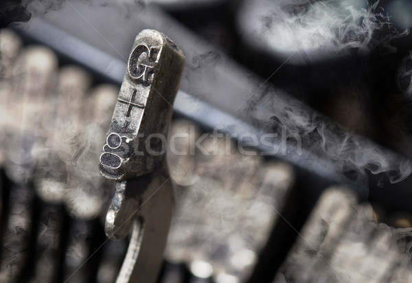 Martello vecchio manuale macchina da scrivere mistero fumo Foto d'archivio © michaklootwijk