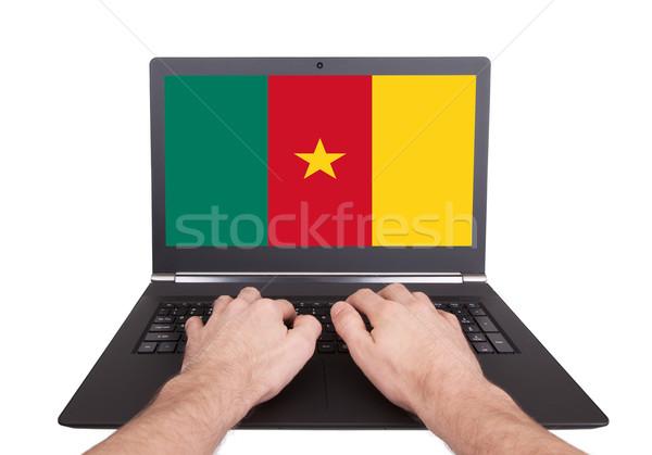 Handen werken laptop Kameroen tonen scherm Stockfoto © michaklootwijk