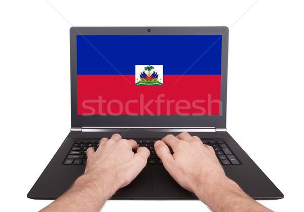 手 作業 ノートパソコン ハイチ 画面 ストックフォト © michaklootwijk