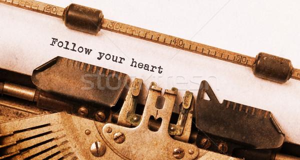 Vintage maszyny do pisania serca wiadomość niebo Zdjęcia stock © michaklootwijk