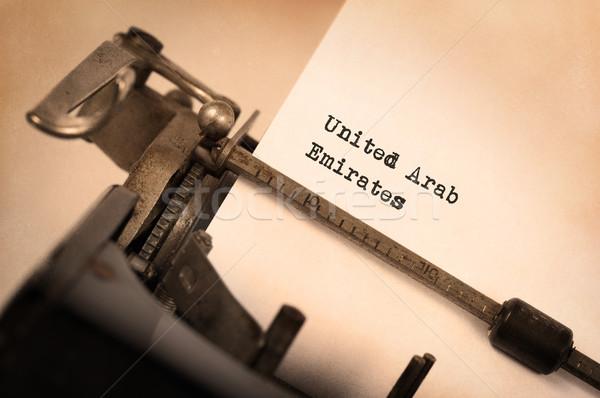 Velho máquina de escrever Emirados Árabes Unidos vintage país Foto stock © michaklootwijk