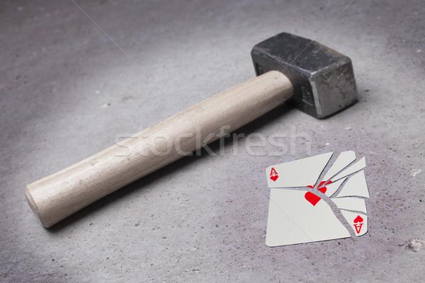 Martillo roto tarjeta as corazones vintage Foto stock © michaklootwijk