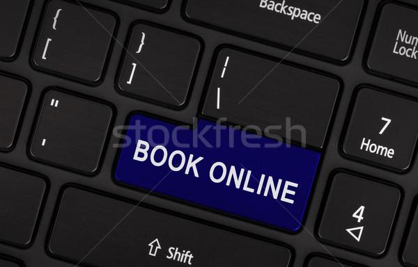 Stockfoto: Blauw · boek · online · knop · toetsenbord
