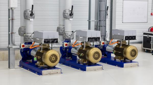 Elektrische generator gebruikt water groot groep Stockfoto © michaklootwijk