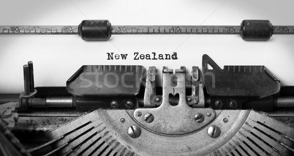 öreg írógép Új-Zéland felirat vidék fém Stock fotó © michaklootwijk