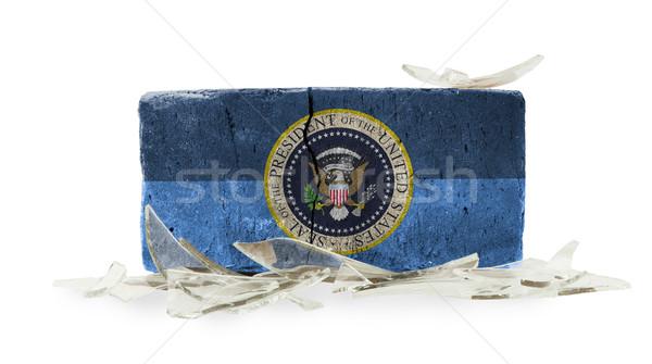 Cărămidă rupt de sticlă violenţă prezidential sigila constructii Imagine de stoc © michaklootwijk