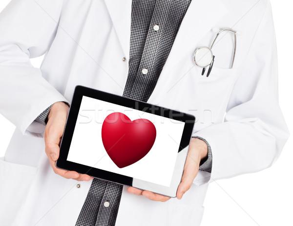 Doktor tablet kırmızı kalp yalıtılmış Stok fotoğraf © michaklootwijk