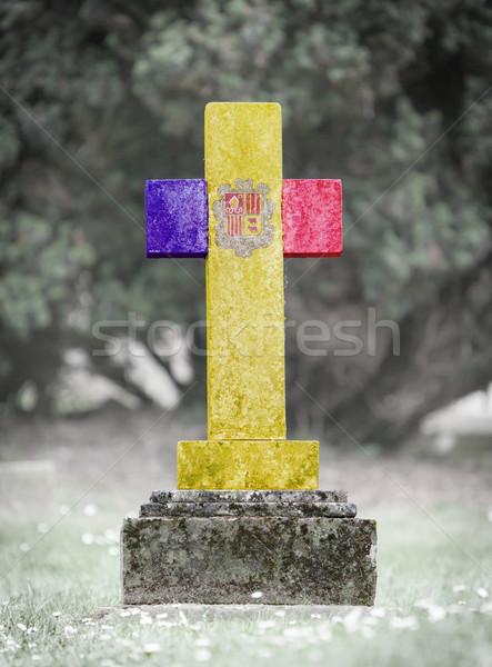Nagrobek cmentarz Andora starych wyblakły trawy Zdjęcia stock © michaklootwijk