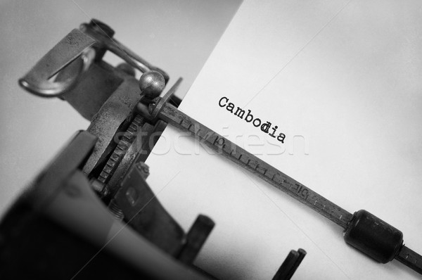Oude schrijfmachine Cambodja opschrift land technologie Stockfoto © michaklootwijk