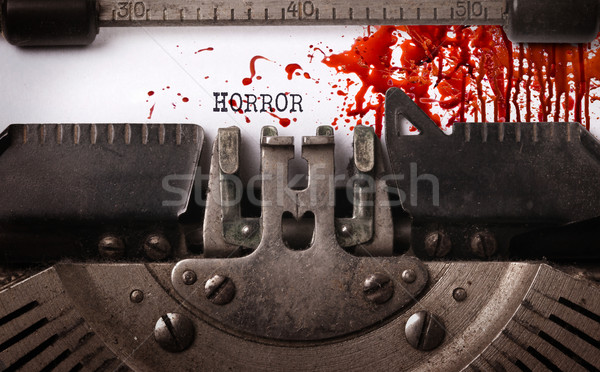 Sangrento nota vintage velho máquina de escrever Foto stock © michaklootwijk