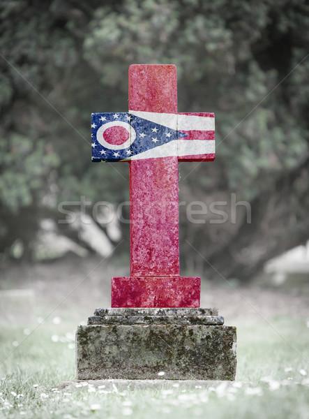 Lápide cemitério Ohio velho resistiu grama Foto stock © michaklootwijk