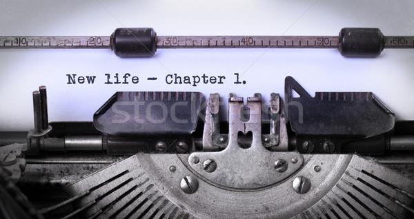 Vintage edad máquina de escribir capítulo Foto stock © michaklootwijk