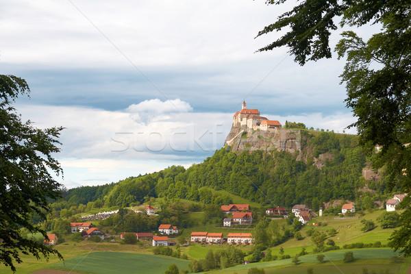 średniowiecznej zamek Hill Austria starych zielone Zdjęcia stock © michey