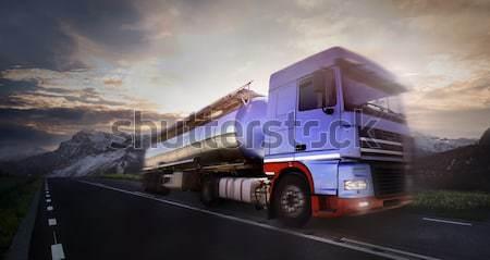Teherautó autóút bemozdult zöld kék autópálya Stock fotó © mikdam