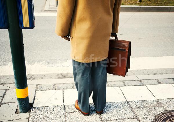 Zakenman aktetas zakenman mannen lopen Stockfoto © mikdam