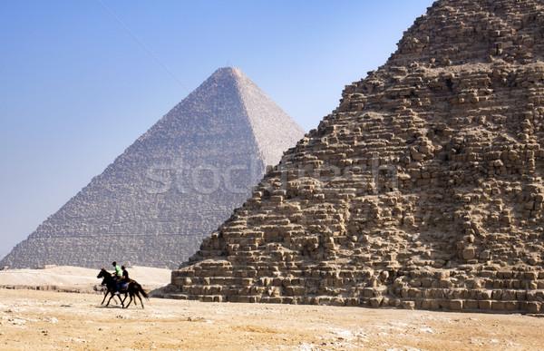 Gizai piramisok Kairó Egyiptom építkezés Isten történelem Stock fotó © mikdam