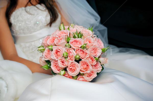 花嫁 白いドレス 花束 バラ 女性 ストックフォト © mikhail_ulyannik