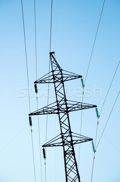 Eletricidade torre azul urbano indústria cabo Foto stock © mikhail_ulyannik