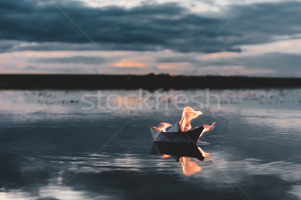 белый бумаги лодка огня реке Сток-фото © MikhailMishchenko