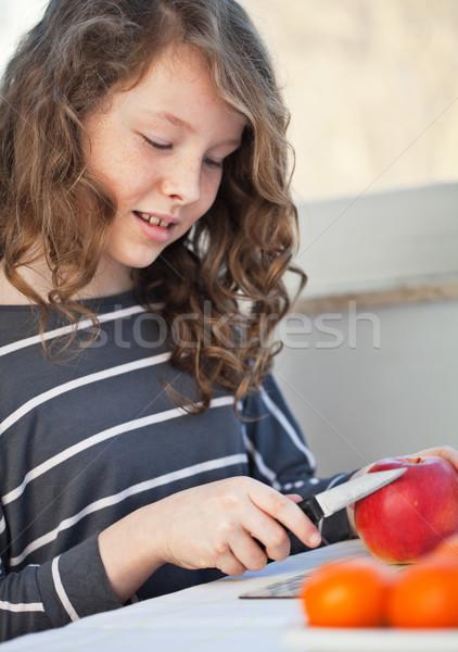 十代の少女 リンゴ かわいい キッチン ナイフ ストックフォト © MikLav