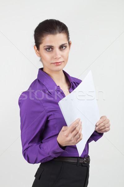 Csinos fiatal üzletasszony barna hajú titkárnő tart Stock fotó © MikLav