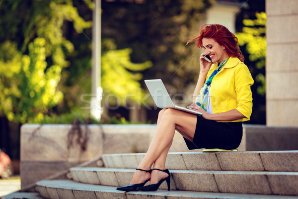 üzletasszony dolgozik törik sikeres ül lépcsősor Stock fotó © MilanMarkovic78
