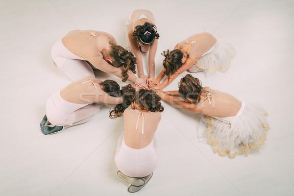 Stock fotó: Kicsi · csoport · kislányok · ruhák · pózol · együtt