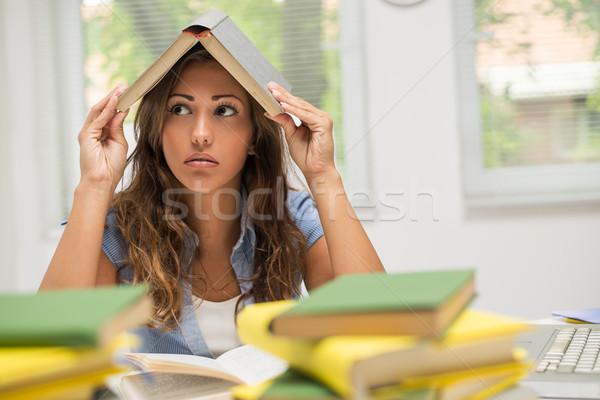 Vervelen student meisje portret mooie tienermeisje Stockfoto © MilanMarkovic78