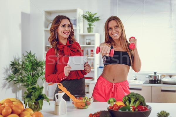 Sağlık gerçek güzellik çekici uygunluk kızlar Stok fotoğraf © MilanMarkovic78