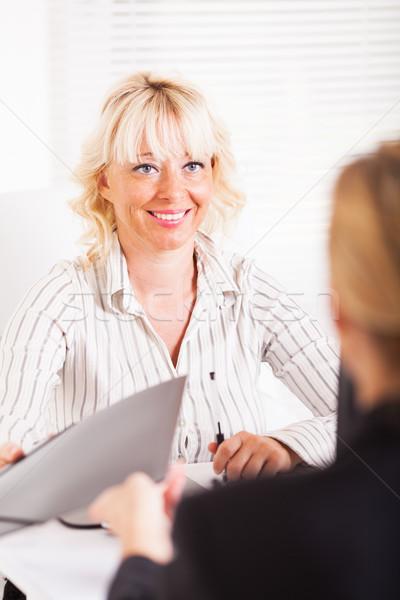 Iş anlaşma dostça kadın anlaşma ofis Stok fotoğraf © MilanMarkovic78