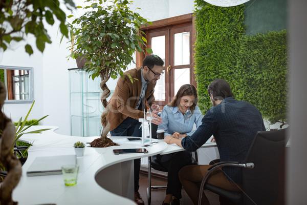 Groene ideeën kantoor smart geschoold Stockfoto © MilanMarkovic78