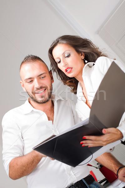 Geschäftsleute sprechen Job Geschäftsmann business woman schauen Stock foto © MilanMarkovic78