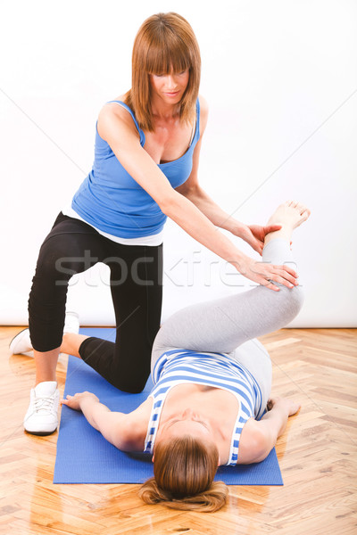 Personal trainer mulher jovem fitness instrutor mulher Foto stock © MilanMarkovic78