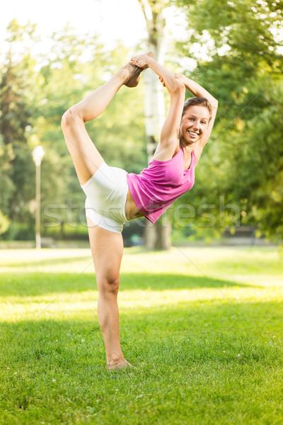 Egzersiz yoga sevimli genç kadın doğa yeşil Stok fotoğraf © MilanMarkovic78