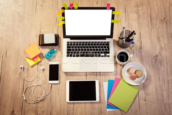 Werkruimte koffiekopje frans top laptop Stockfoto © MilanMarkovic78