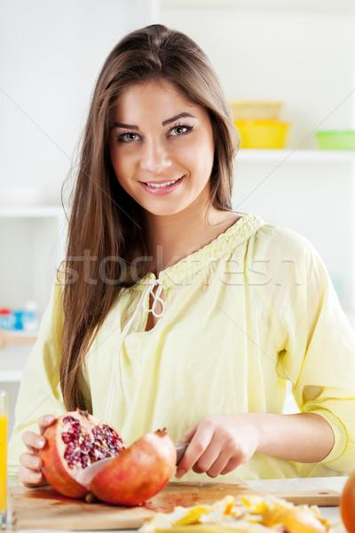 若い女性 ザクロ 美しい キッチン ストックフォト © MilanMarkovic78