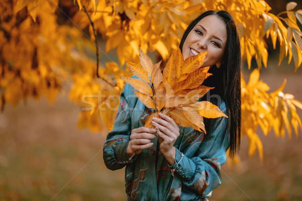 Félénk lány portré gyönyörű boldog nő Stock fotó © MilanMarkovic78