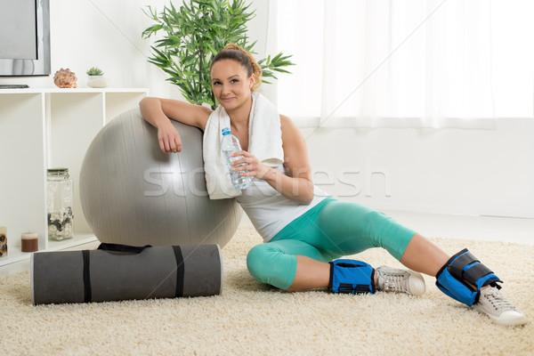 Stock fotó: Fitnessz · nő · aranyos · fiatal · nő · pihen · otthon · edzés