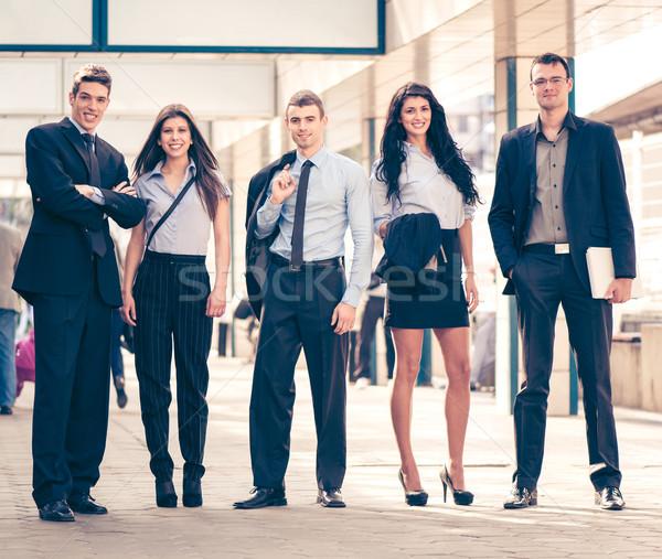 Grupy młodych ludzi biznesu mała grupa stałego Zdjęcia stock © MilanMarkovic78