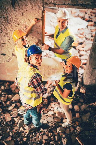 Wiederaufbau Katastrophe vier Bau Gebäude Plan Stock foto © MilanMarkovic78