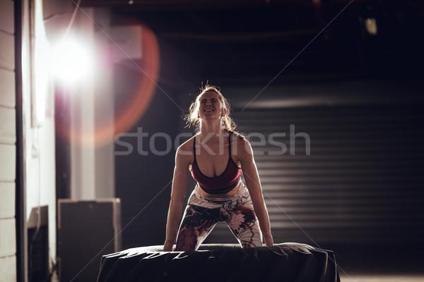 Güçlü yeterli lastik genç kas kadın Stok fotoğraf © MilanMarkovic78